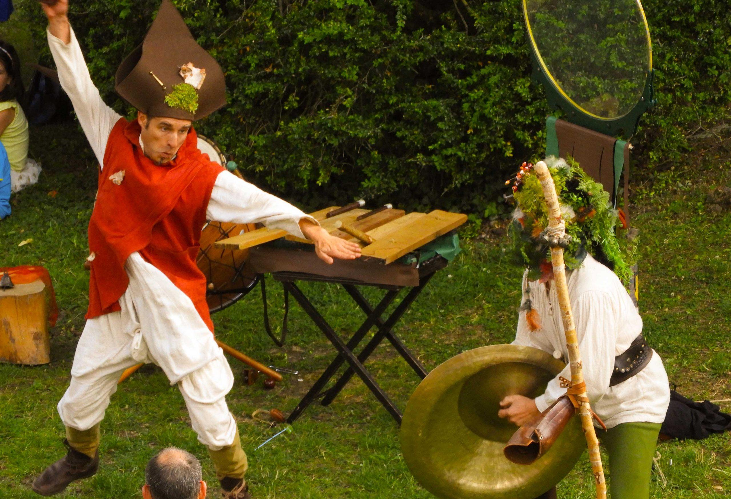 Alchimie par la Cie du Petit Grimoire. Un spectacle médiéval déjanté et décalé