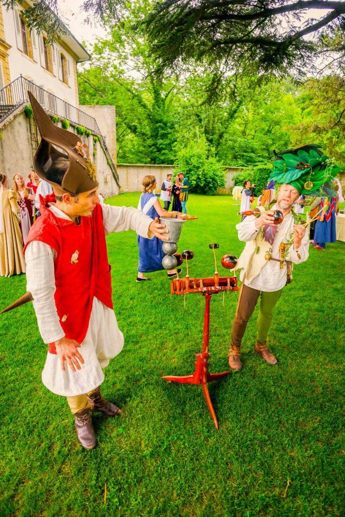Animation médiévale jonglerie et percussion